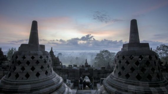 Traveling and Getting to Know History in Borobudur Temple